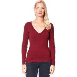 Sweter w kolorze bordowym. Czerwone swetry klasyczne damskie marki William de Faye, z kaszmiru. W wyprzedaży za 113,95 zł.