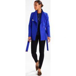 Abercrombie & Fitch HIGH RISE SUPER SKINNY Jeans Skinny Fit black. Czarne jeansy damskie relaxed fit Abercrombie & Fitch, z bawełny. Za 369,00 zł.