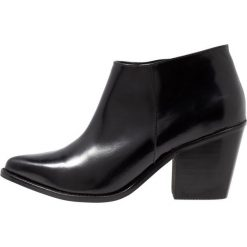 Intentionally Blank NATHAN Ankle boot black. Czarne botki damskie skórzane Intentionally Blank. Za 799,00 zł.