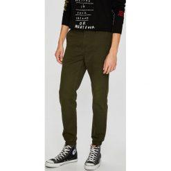Only & Sons - Spodnie Chino. Szare chinosy męskie marki Only & Sons, z bawełny. W wyprzedaży za 119,90 zł.
