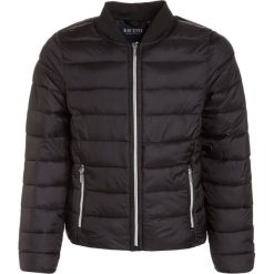 Blue Seven Kurtka zimowa schwarz. Czarne kurtki dziewczęce przeciwdeszczowe Blue Seven, na zimę, z materiału. W wyprzedaży za 179,25 zł.