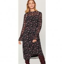 Sukienka midi w kwiaty - Wielobarwn. Czerwone sukienki marki Mohito, l, w koronkowe wzory. Za 199,99 zł.