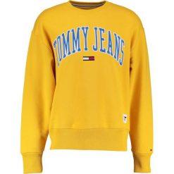Bluzy męskie: Tommy Jeans COLLEGIATE Bluza old gold