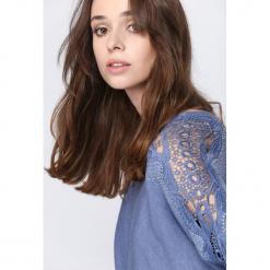Niebieski Sweter Always Love You. Niebieskie swetry klasyczne damskie Born2be, l, z koronki. Za 89,99 zł.