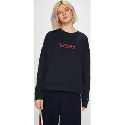 Tommy Hilfiger - Bluza. Czarne bluzy z nadrukiem damskie marki TOMMY HILFIGER, l, z bawełny, bez kaptura. Za 299,90 zł.
