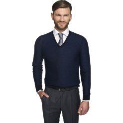Sweter solvay w serek granatowy. Szare swetry klasyczne męskie marki Recman, m, z długim rękawem. Za 249,00 zł.