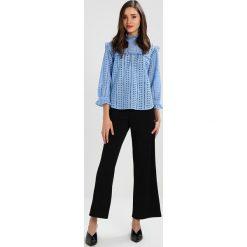 Bluzki asymetryczne: Second Female JACKLIN BLOUSE Bluzka robbia blue