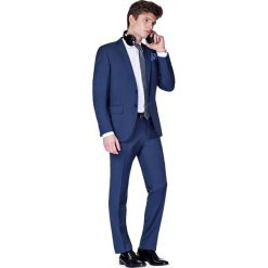 Garnitur Granatowy Savoy. Niebieskie garnitury marki LANCERTO, z bawełny. W wyprzedaży za 399,90 zł.