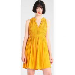 Sukienki hiszpanki: See u Soon ROBE Sukienka letnia light yell