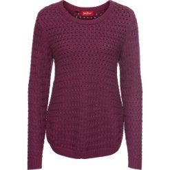 Sweter w warkocze, z ozdobnym guzikiem, długi rękaw bonprix jeżynowy. Fioletowe swetry klasyczne damskie bonprix. Za 99,99 zł.