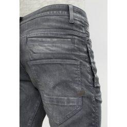 GStar DSTAQ 3D SUPER SLIM Jeans Skinny Fit loomer grey rop superstretch. Białe jeansy męskie relaxed fit marki G-Star, z nadrukiem. W wyprzedaży za 639,20 zł.