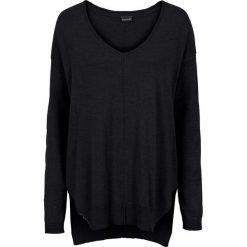 Sweter w serek bonprix czarny. Czarne swetry oversize damskie bonprix. Za 74,99 zł.