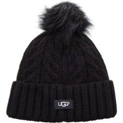 Czapka UGG - W Cable Pom Beanie 17493 Black. Czarne czapki damskie Ugg, z materiału. Za 299,00 zł.