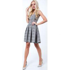Sukienki hiszpanki: Sukienka rozkloszowana w kratkę czarno-kremowa G5011