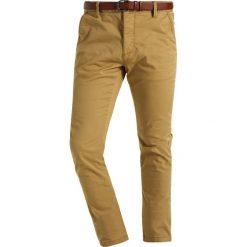 INDICODE JEANS NELSON Spodnie materiałowe amber. Brązowe chinosy męskie INDICODE JEANS. Za 149,00 zł.