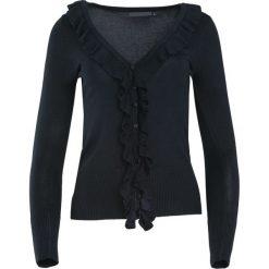 Czarny Sweter If You See Kay. Fioletowe swetry klasyczne damskie marki Reserved, z falbankami. Za 29,99 zł.