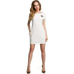 Sukienki: Sukienka mini z naszywką – ecru