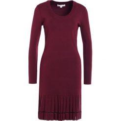 MICHAEL Michael Kors Sukienka dzianinowa merlot. Czerwone sukienki dzianinowe marki MICHAEL Michael Kors, l. W wyprzedaży za 524,50 zł.