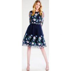 Sukienki hiszpanki: Chi Chi London Tall CLAIRE Sukienka koktajlowa navy