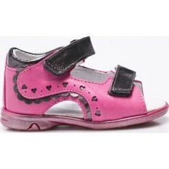 Kornecki - Sandały. Fioletowe sandały dziewczęce marki Kornecki, z materiału. W wyprzedaży za 99,90 zł.