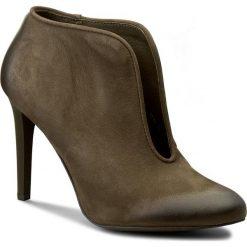 Botki CARINII - B3734 I43-000-PSK-A92. Zielone buty zimowe damskie Carinii, z nubiku, na obcasie. W wyprzedaży za 209,00 zł.