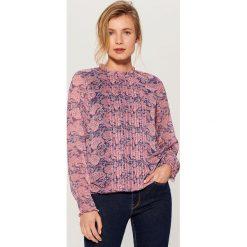 Wzorzysta koszula z ozdobnym panelem - Wielobarwn. Różowe koszule damskie Mohito. Za 119,99 zł.