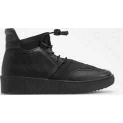 Sportowe buty za kostkę - Czarny. Białe buty sportowe damskie marki Reserved, na wysokim obcasie. Za 159,99 zł.