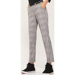 Spodnie typu chino - Wielobarwn. Szare chinosy damskie House. Za 89,99 zł.