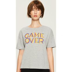 T-shirt Game over - Jasny szar. Szare t-shirty damskie Sinsay, l. Za 24,99 zł.